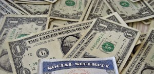 Social_Security_Card_and_Money_business_desk