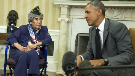 President Barack Obama meets with Emma Didlake, 110, of Detroit, the oldest known World War II veteran, Friday, July 17, 2015, in the Oval Office of the White House in Washington. (AP Photo/Evan Vucci)